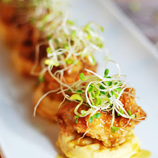 Mini Chicken and Waffles Hors D'Oeuvres