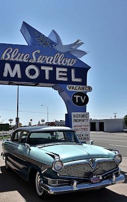 The Blue Swallow di Bond