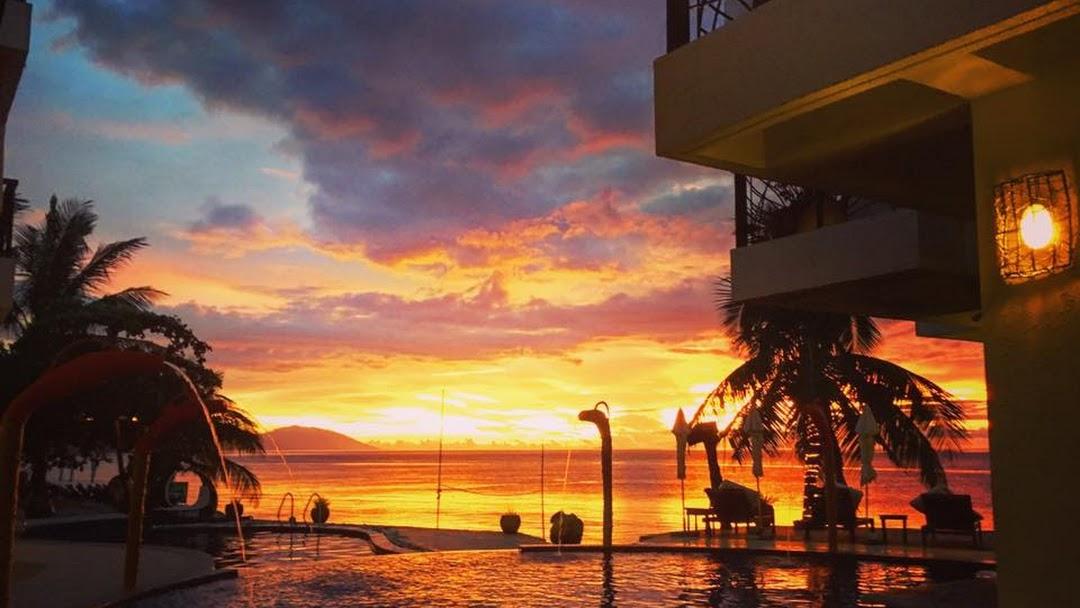 Sunset At Aninuan Beach Resort Www Aninuanbeach Com