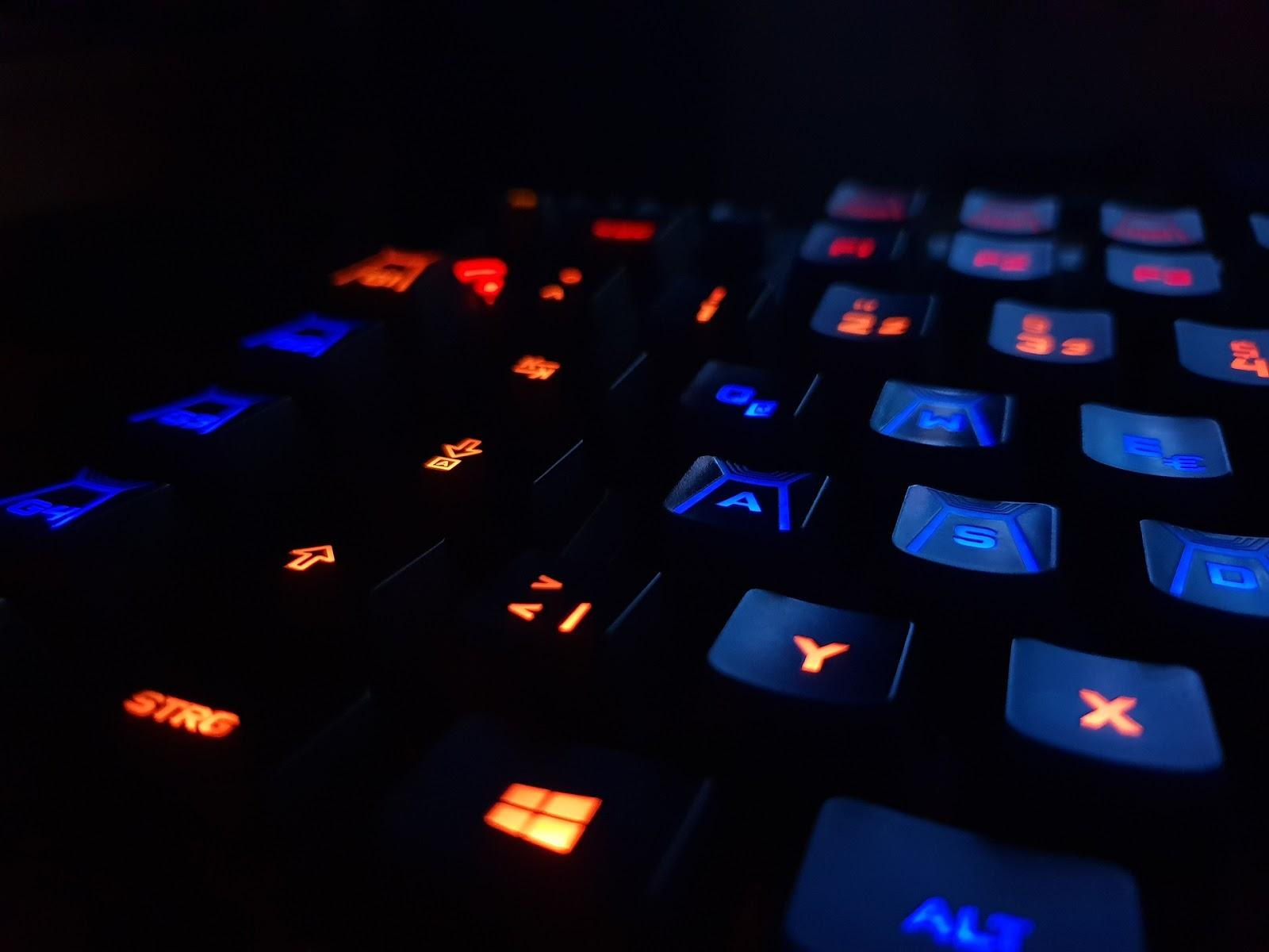 Backlit Gaming Keyboard to give you the edge