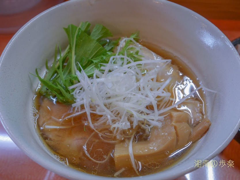 らうめん梵:煮干しの拉麵 白ネギ・水菜と太メンマ