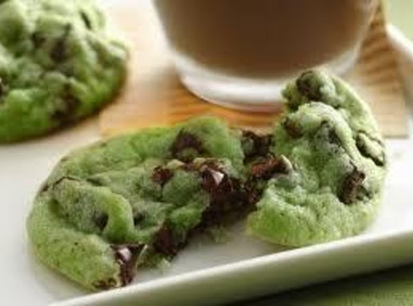 Soft Mint Chocolate Chip Cookies Recipe