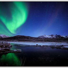 aurora over frosty lake by Benny Høynes - Landscapes Starscapes ( canon, bennyhøynes, northernlights, mk2, aurora, boreoalis, 5d )