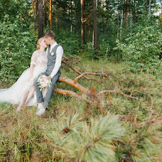 Wedding photographer Alena Ostrovskaya (alenalatona). Photo of 31.10.2017