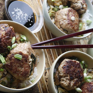 Lions head meatballs with Chinese cabbage