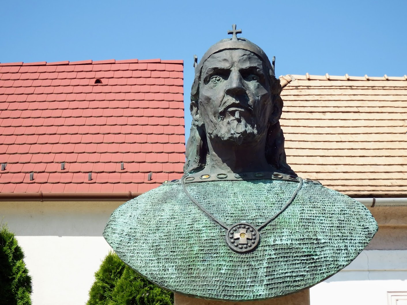 Tatabánya - Szent István király mellszobra (Felsőgalla)