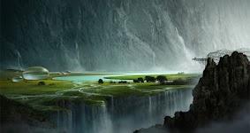 groen landschap met hoge bergen op achtergrond met watervallen