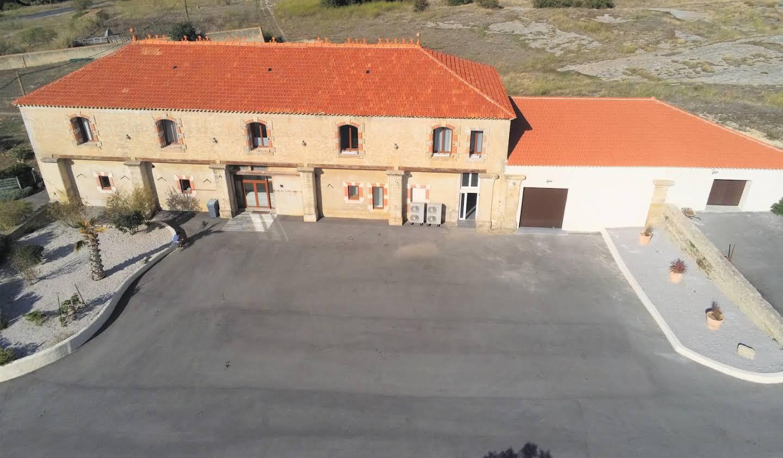 Propriété avec piscine et jardin Lespignan