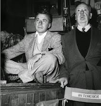 Photo: O diretor de fotografia Robert Burks e Alfred Hitchcock: grande parceria na década de 50.