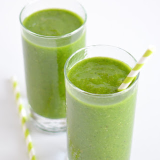 Apple Kiwi Green Smoothies.
