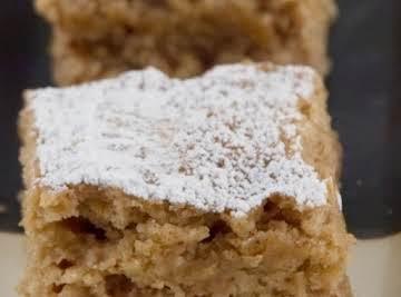 HEIRLOOM FRESH APPLESAUCE CAKE
