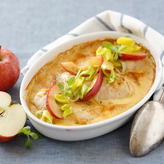 Hühnerschnitzel mit Zwiebel-Apfelrahmsauce