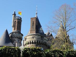 Photo: Rond het kasteel in Antoing