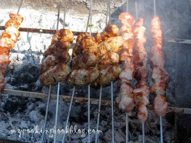 Шефталя (Σεφταλιά) и Сувлаки (Σουβλάκι) или традиционен Кипърски кебап