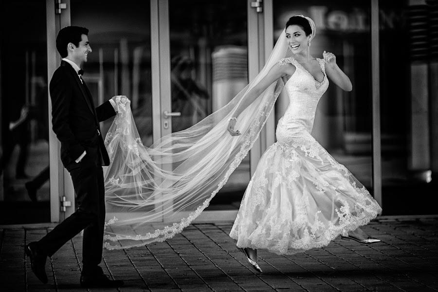 Wedding photographer Marius Barbulescu (mariusbarbulesc). Photo of 23.12.2014