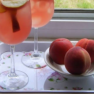 White Peach Sangria Peach Schnapps Recipes.