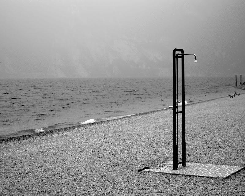 Interpretazione della spiaggia di Riva del Garda di Annie
