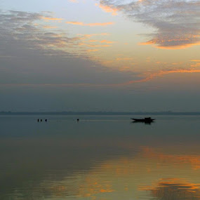 Divinity by Satabdi Datta - Landscapes Waterscapes ( , villes, rencontres, continents, découvertes curiosités, personnes, marchés, relax, tranquil, relaxing, tranquility )