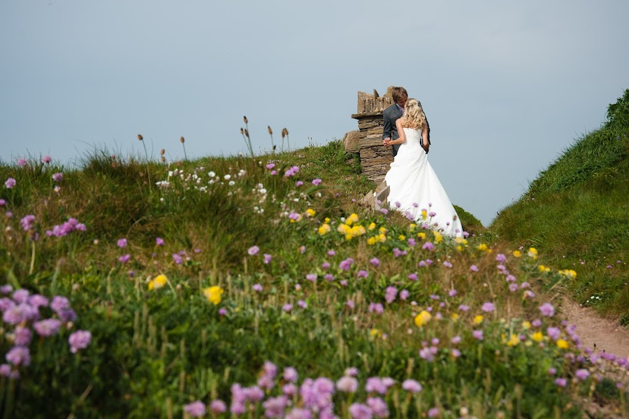 by Martyn Norsworthy - Wedding Bride & Groom