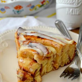 Cinnamon Roll Cheesecake Cake.