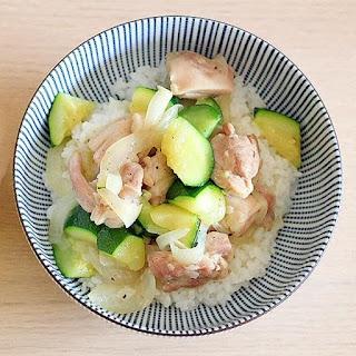 Ankake Donburi (Rice Bowl) with Zucchini and Chicken