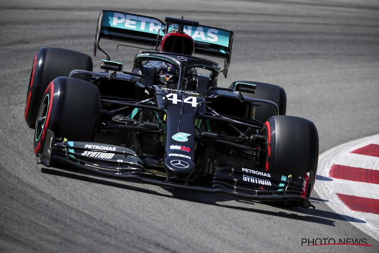 Mercedes-rijders zetten onderonsje verder, Verstappen derde op meer dan een halve seconde