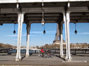 Photo: Le pont Bir-Hakeim à Paris - E-guide balade à vélo de la Tour Eiffel à la forêt de Meudon par veloiledefrance.com.  The famous Bir-Hakeim bridge in Paris - Cycling guide in Paris from the Eiffel Tower to the Meudon forest