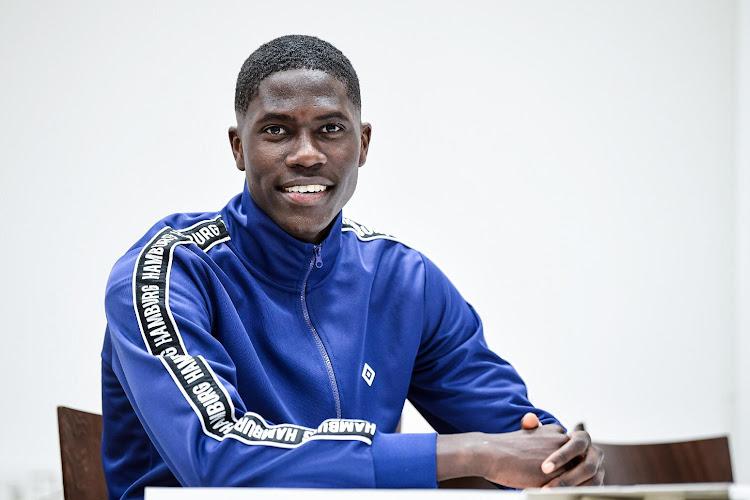 Le jeune talent belge Amadou Onana signe son premier contrat pro !