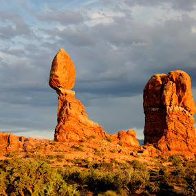 Balanced Rock at sunset by Beth Collins - Landscapes Deserts ( clouds, national park, sky, desert, park, rock formations, utah, sunset, balanced rock, rock,  )