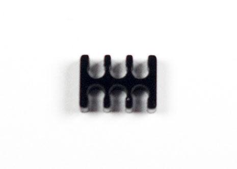 Kabelkam for 6 pins kabel, 2x3 Ø4mm spor, sort
