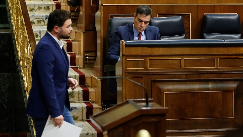 Gabriel Rufián y Pedro Sánchez, en el Congreso de los Diputados.