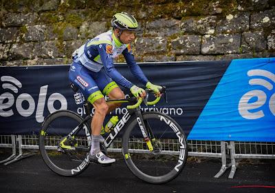 """Quinten Hermans krijgt lof nadat hij virtueel in het roze reed: """"Op schitterende manier kansen opgeofferd"""""""