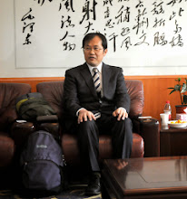 Photo: meeting Professor Wei, President of the Wuhan Textile University