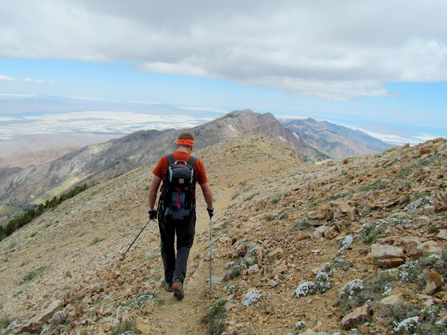 Beginning the descent toward Pocket's Fork