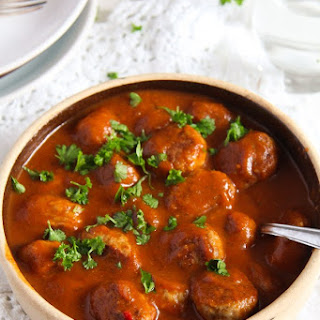 Easy Pork Meatballs in Tomato Sauce - Romanian.