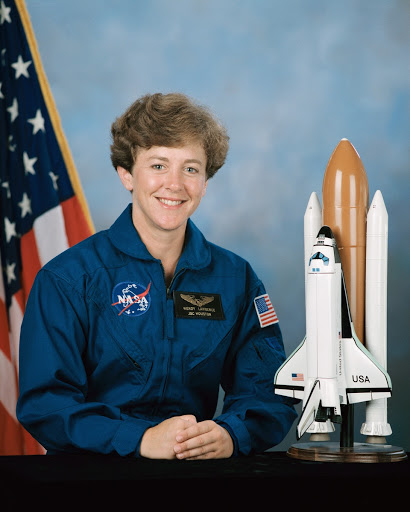 Official Portrait of Astronaut Candidate (ASCAN) Wendy B. Lawrence in