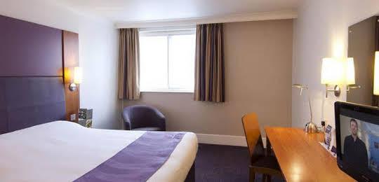 Premier Inn Bridgend (M4, J35)