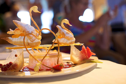 Seadream-dessert-swan.jpg - Ethereal desserts on SeaDream I.
