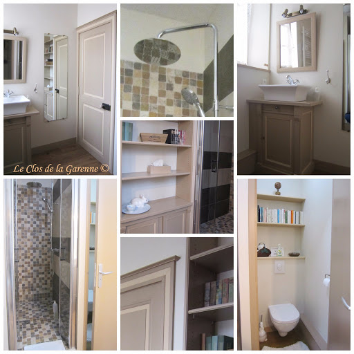 bathroom of the triple room at guest house le clos de la garenne in puyravault western france