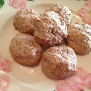 French ALMOND MACAROONS * gluten-free * almonds, powdered sugar, extract, egg white