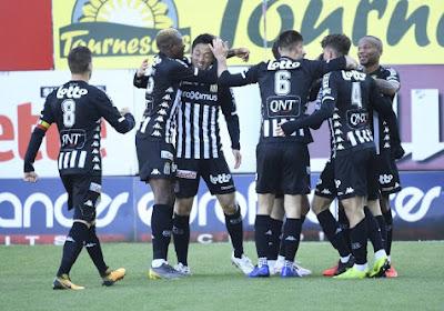 Charleroi wint met 2-0 van Sint-Truiden en komt daardoor aan de leiding in groep A