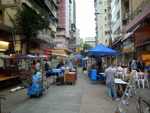 Photo: 準備開檔 Setting up shop for the night