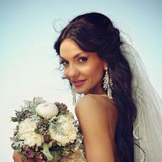Wedding photographer Vladimir Revik (Revic). Photo of 28.04.2014