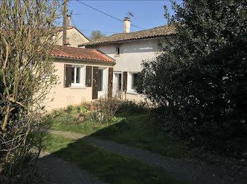 maison à Melle (79)