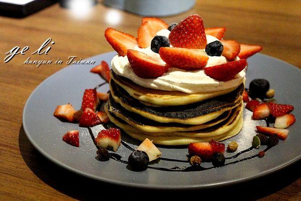 鬲离咖啡館 GE LI 高雄老屋咖啡 文青早午餐,季節限定夢幻草莓鬆餅