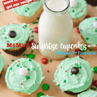 M&M's® Surprise Pillsbury™ Funfetti® Cupcakes!
