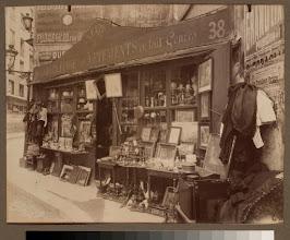 Photo: Brocanteur 38 rue Descartes (5e arr)