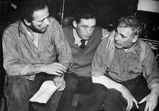 "Photo: Humphrey Bogart, John Huston e Walter Huston no set de ""Tesouro de Sierra Madre""  http://filmesclassicos.podbean.com"