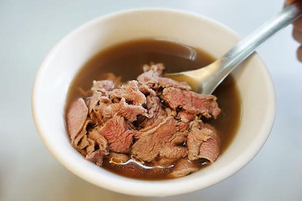 台南   康樂街牛肉湯,刀工薄片肉質鮮嫩、湯頭清淡美味不私藏!!