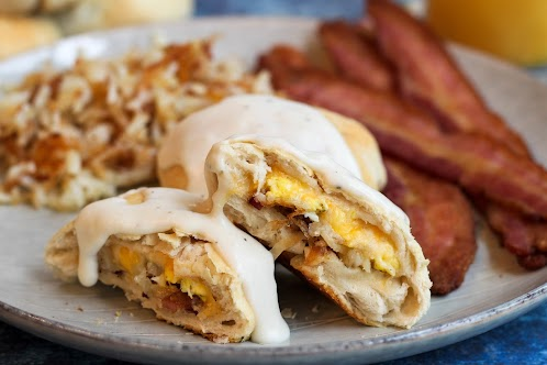 Breakfast Bundles With Country Gravy